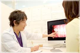 治療箇所から口腔内の状態まで総合的に判断して最適な素材を用いた治療を行います。